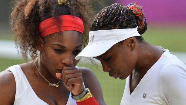 Американские теннисистки Винус Уильямс и Серена Уильямс. Архивное фото
