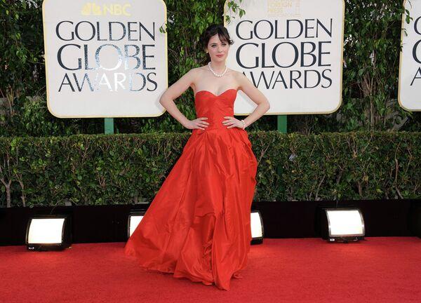 Американская актриса и певица Зоуи Дешанель, церемония вручения премии Золотой глобус. Калифорния, 2013 год