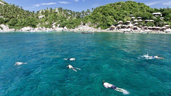 Снорклинг (плавание в ластах и маске с дыхательной трубкой) в Таиланде