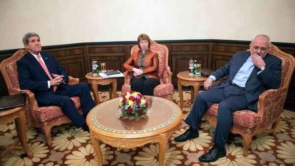 Переговоры в Омане по иранской ядерной программе.  Госсекретарь США Джон Керри, спецпредставитель ЕС Кэтрин Эштон и глава МИД Ирана Джавад Зариф