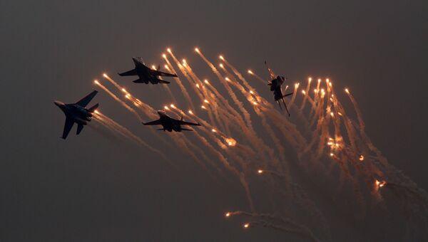 Истребители Су-27 пилотажной группы Русские Витязи на авиасалоне в Китае