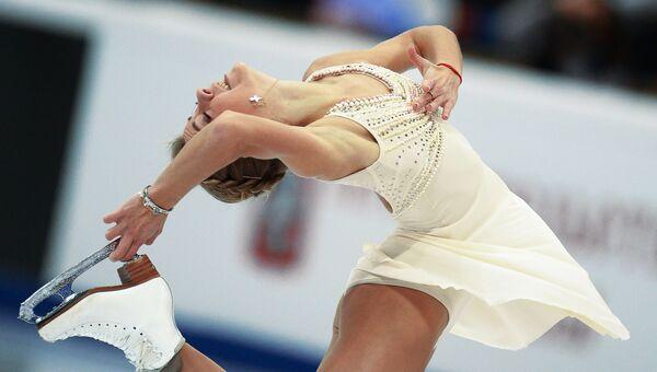 Российская фигуристка Мария Артемьева выступает в произвольной программе женского одиночного катания на четвертом этапе Гран-при по фигурному катанию в Москве.