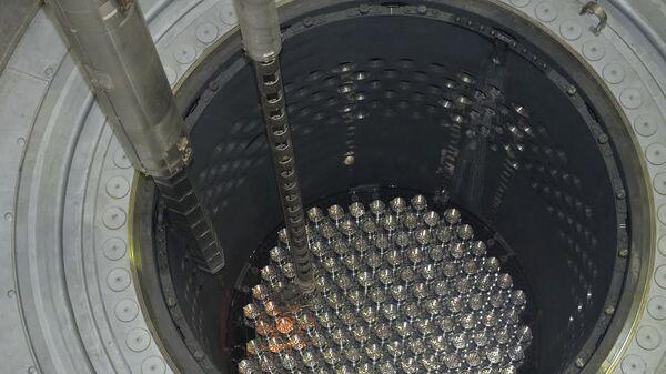 Загрузка ядерного топлива в реактор