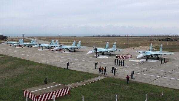 Самолеты, прибывшие в расположение 62-го истребительного авиаполка 27-й смешанной авиадивизии ВВС России, базирующийся на аэродроме Бельбек под Севастополем. Архивное фото