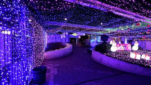Рождественские огни в торговом центре в Канберре, Австралия