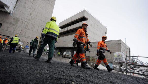 Рабочие на строительной площадке атомной электростанции в Финляндии