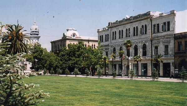 Батуми - столица Аджарии, порт на Чёрном море. Архивное фото