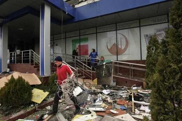 Восстановительные работы в Доме Печати в центре города Грозного