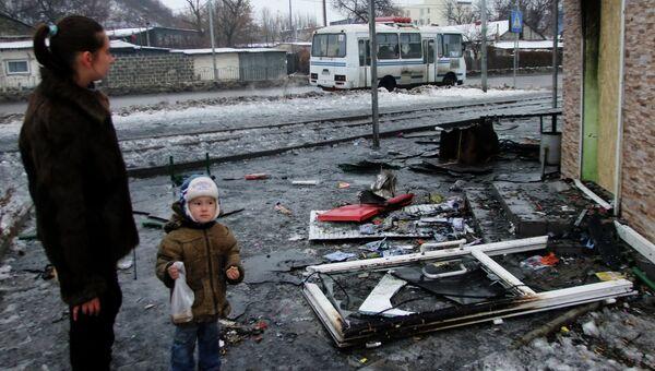 Последствия обстрела украинскими силовиками Донецка. Архивное фото