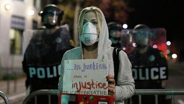 Протестующие против произвола полиции, Калифорния. 8 декабря 2014