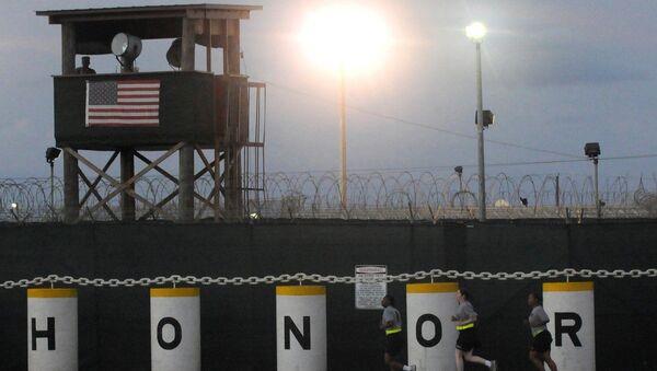 Сторожевая вышка американской военной базы Гуантанамо на Кубе