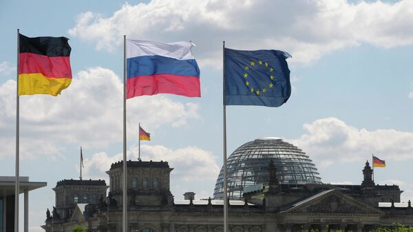 Флаги Германии, России и ЕС. Архивное фото