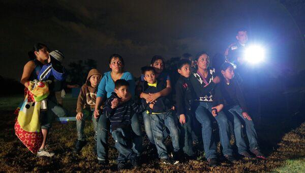 Нелегальные мигранты в США. Архивное фото