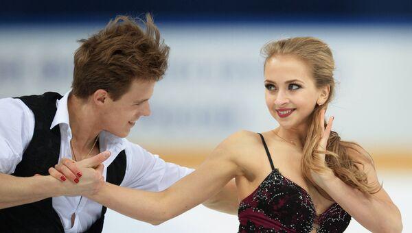 Виктория Синицина и Никита Кацалапов выступают в произвольной программе танцев на льду на чемпионате России по фигурному катанию в Сочи