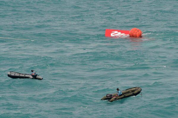 Операция по подъему хвостовой части лайнера AirAsia