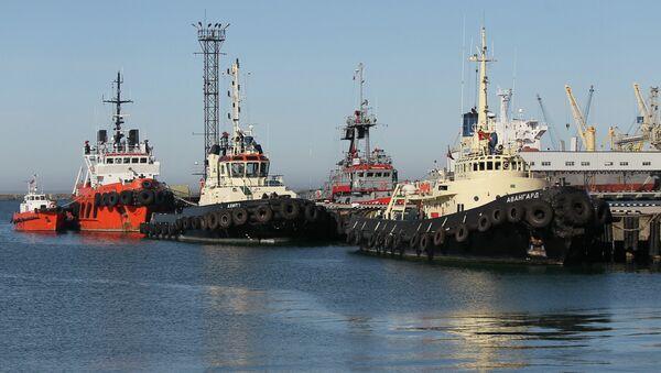 Морской порт Туапсе. Архивное фото