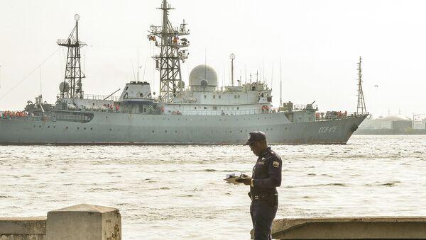 Разведывательный корабль ВМФ РФ Виктор Леонов. Архивное фото