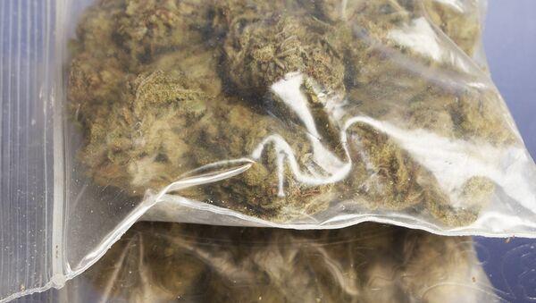 Пакетик с марихуаной. Архивное фото