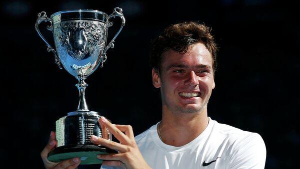 Россиянин Роман Сафиуллин выиграл Australian Open среди юниоров