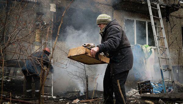 Последствия обстрела украинскими военными Донецка