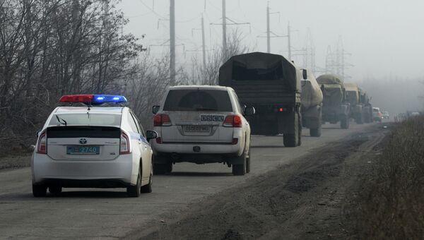 Ополчение ДНР отводит РСЗО Град от линии соприкосновения. Архивное фото
