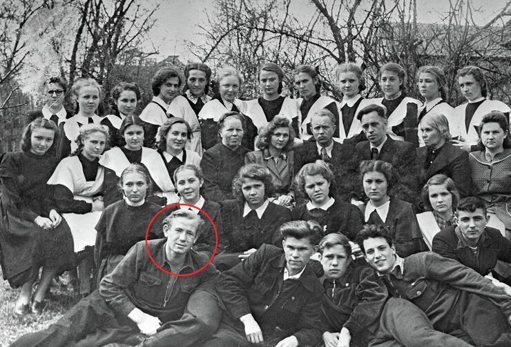 Алексей Леонов - учащийся 9 класса