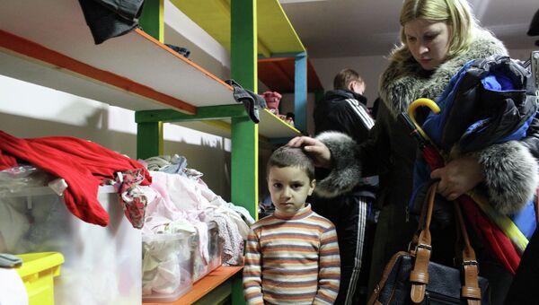Пункт церковной гуманитарной помощи украинским беженцам. Архивное фото