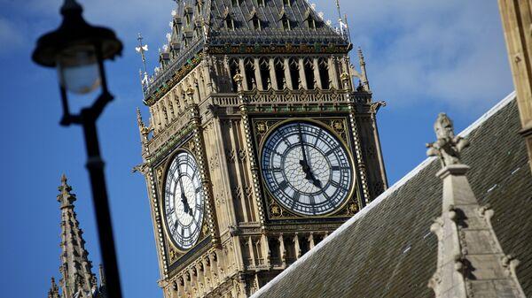 Крыша Вестминстерского дворца, где заседает парламент Великобритании. Архивное фото