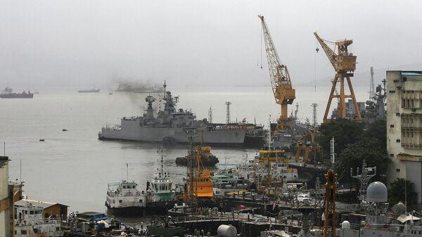 Порт города Мумбаи, Индия