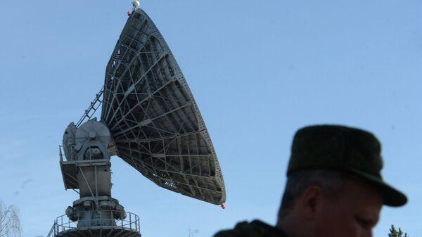 Антенна в испытательном космическом центре