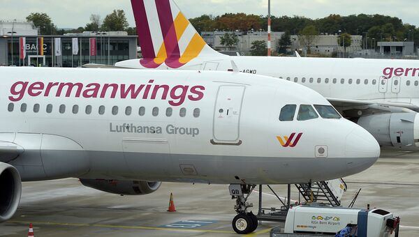 Самолет Airbus A320 авиакомпании Germanwings в аэропорту Дюссельдорфа. Архивное фото