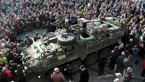 Американские бронемашины Stryker совершают Драгунскую прогулку по Восточной Европе