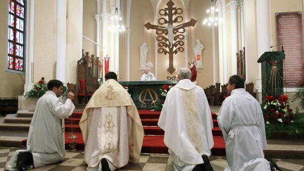 Картинки по запросу Особенности проведения Литургии в православной церкви
