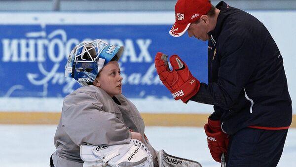 Вратарь женской сборной России по хоккею с шайбой Валерия Сорокина