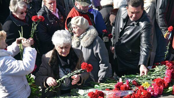 Участники праздничных мероприятий, посвященных годовщине освобождения Одессы от немецко-фашистских захватчиков. 10 апреля 2015