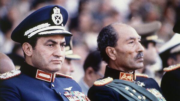 Хосни Мубарак и Анвар Садат на военном параде, 6 октября 1981 года. День убийства А. Садата