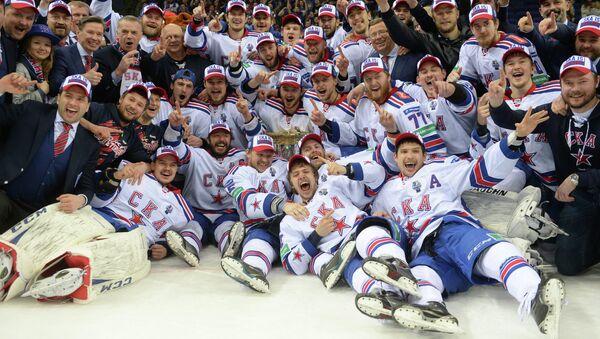 Игроки СКА, ставшие обладателями Кубка Гагарина Континентальной хоккейной лиги сезона 2014-2015