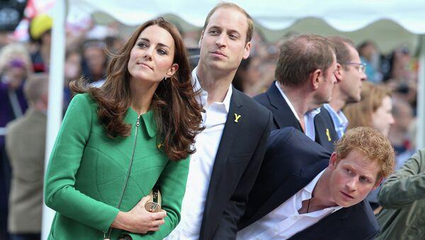 Принц Уильям, герцогиня Кэтрин и принц Гарри. Архивное фото
