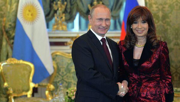 Президент России Владимир Путин и президент Аргентинской Республики Кристина Фернандес де Киршнер. Архивное фото