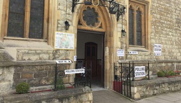 Избирательный участок в районе Кенсингтон и Челси, Лондон