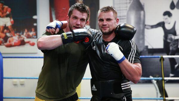 Российский боксер Денис Бойцов на тренировке