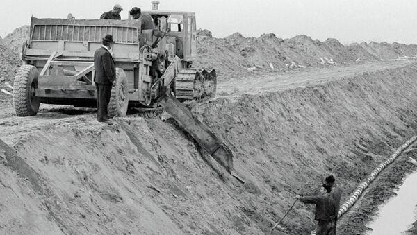 Строительство рва