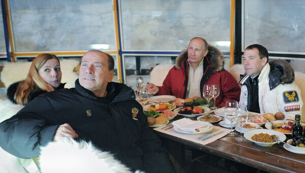 Неформальная встреча С.Берлускони, В.Путина и Д.Медведева