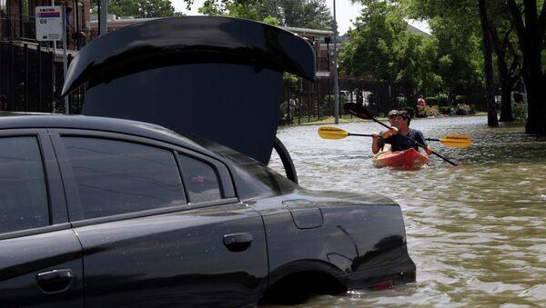 Последствия наводнения в Техасе, США