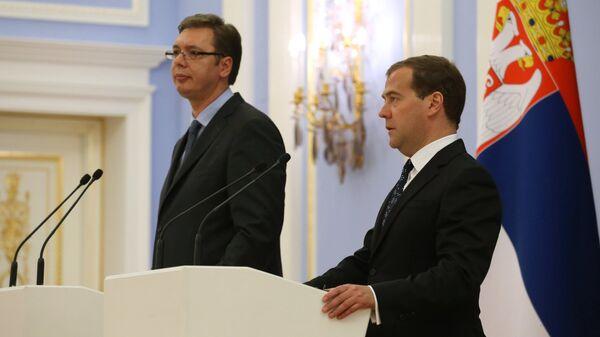 Глава правительства России Дмитрий Медведев и президент Сербии Александр Вучич