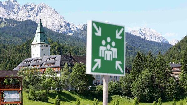 Вид на замок Эльмау в Баварии, где проходит саммит G7