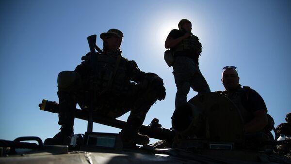 Солдаты ВСУ на позиции в Донецкой области, архивное фото