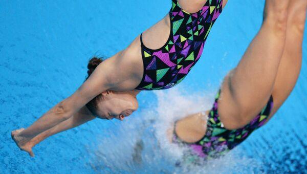 Прыжки в воду. Кристина Ильиных и Надежда Бажина. Архивное фото