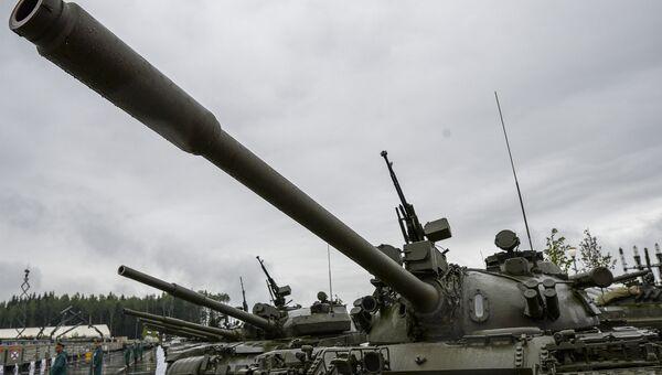 Советский средний танк Т-55 на торжественном открытии Международного военно-технического форума Армия-2015. Архивное фото