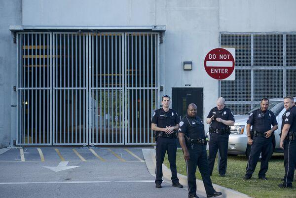 Полиция Южной Каролины, где произошла стрельба в африканской методистской епископальной церкви Эмануэль города Чарлстон, США